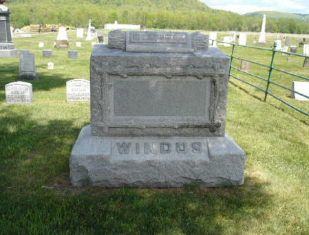 windus_monument