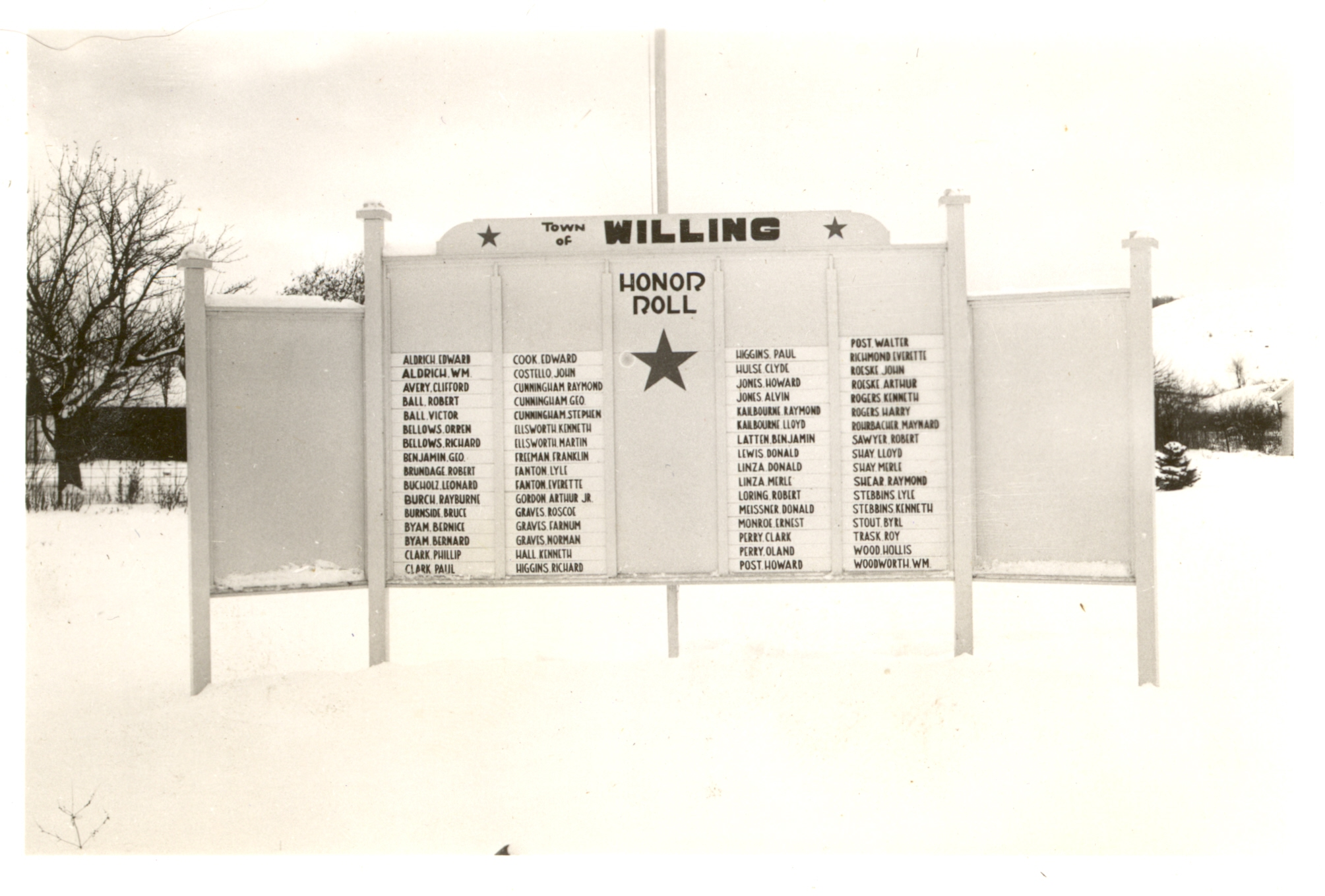 scan0071 Willing WWII-Honor-Roll-Board KenFreeman